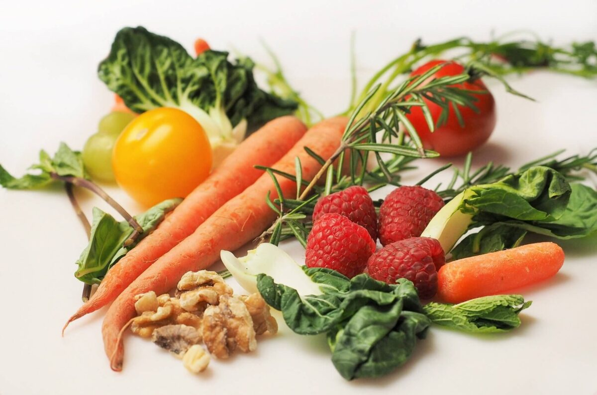 ニキビの予防法・治し方③:食生活