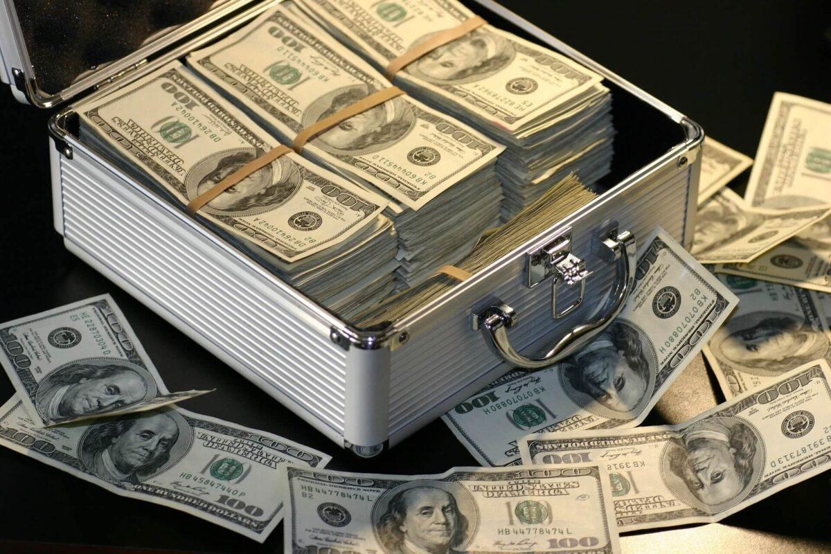 読書から得られる効果⑤:お金