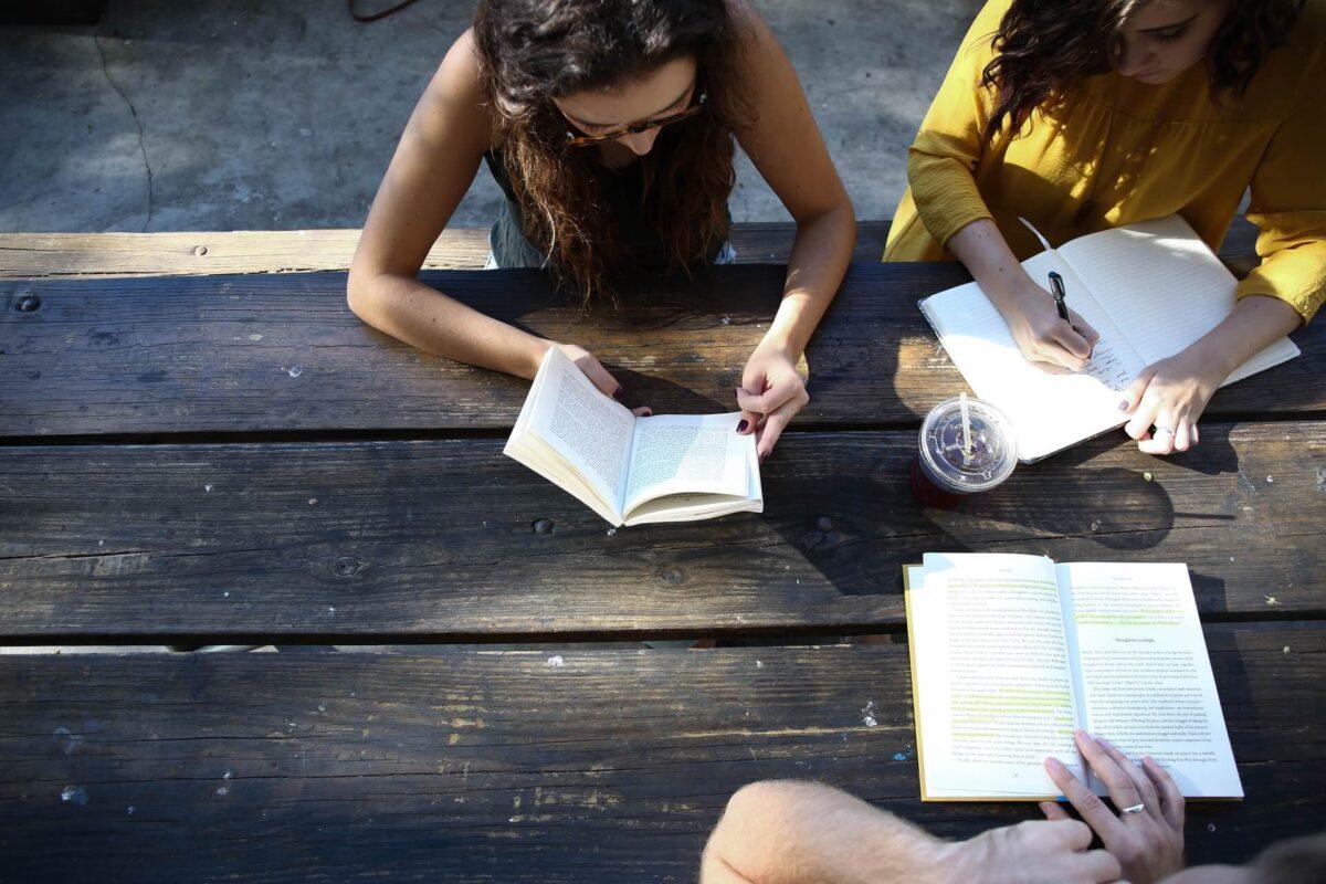 読書はインプットだけでは知識にならない