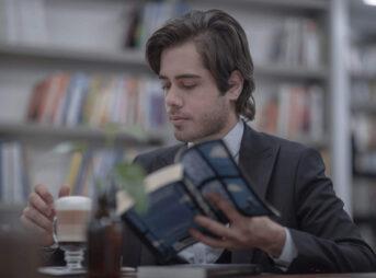 読書量を増やすと年収があがります【3つの根拠を紹介】