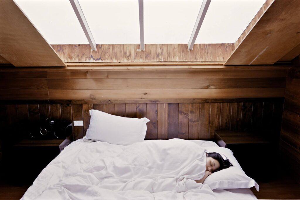 最高の脳と身体をつくる睡眠をするための朝の習慣
