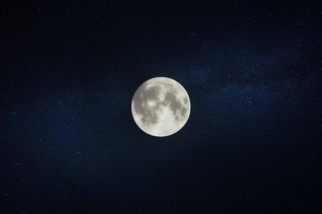 「スタンフォード式 最高の睡眠」が薦める夜の習慣