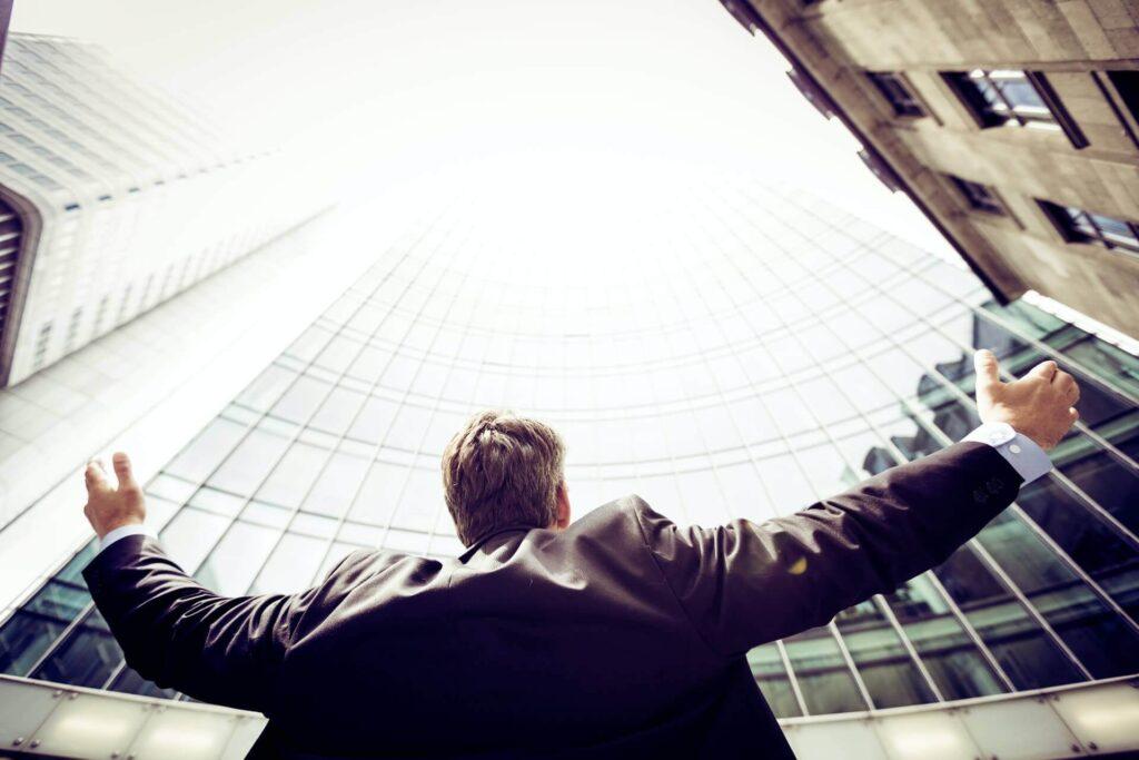 「億を稼ぐ積み上げ力」における成功法則