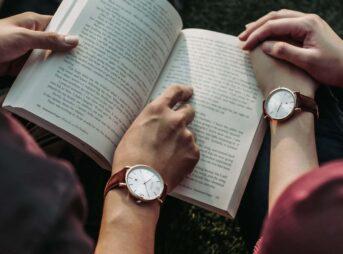 日本人の読書速度の平均とは?目安は?測定方法は?【正しい速読法も紹介】