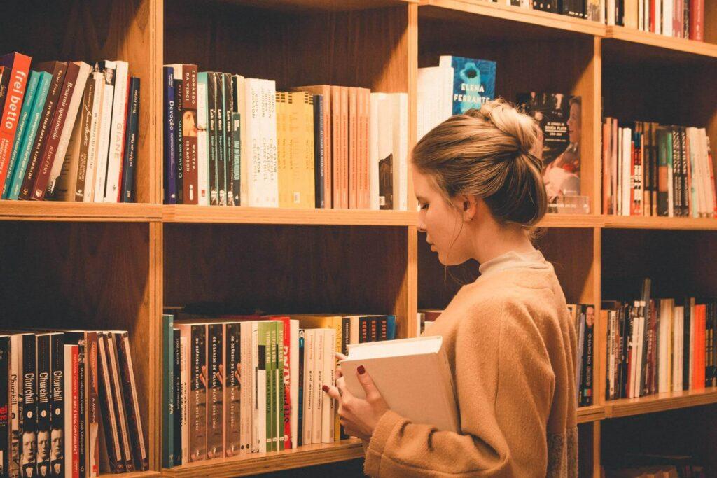 ビジネス書を読み放題サービスで読むメリット・デメリット