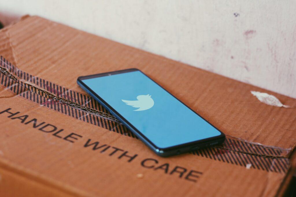 10月の目標はTwitterフォロワー1000人とブログ活動の再開